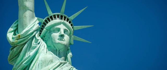 Vista frontal Estatua de la Libertad