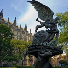 Estatua de San Juan el Divino